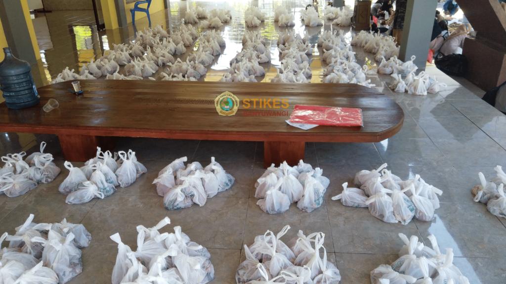 Seribu lebih paket daging kurban siap didistribusikan kepada masyarakat - Stikes Banyuwangi
